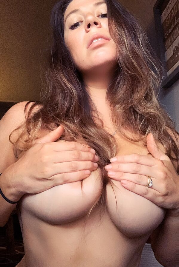 68d7ad0e2a6b1876290a38e09fd7b1ee width 600 1 This Chivette gives no sh*ts and its awesome (38 Photos)