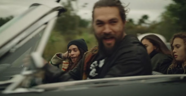 Actor Jason Momoa Recreates His Wifes First 1965 Ford Mustang Car Humanity Interesting Awesome DIY Wholesome Heartwarming 3 Jason Momoa restored his wifes first car because thats what heroes do (34 Photos)