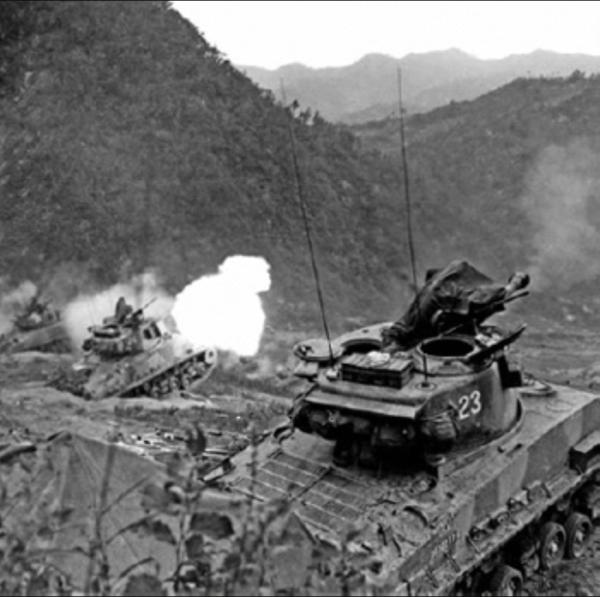 Tank battle Korean War 600 26 Largest TANK battle of the Korean War (31 Photos)