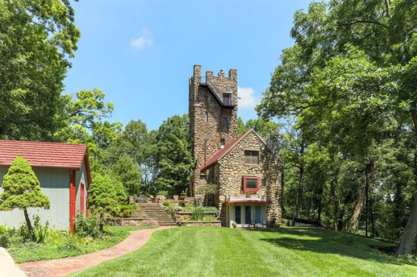 The Helmer Castle In Michigan Is For Sale Humanity Lifestyle Awesome 00009 Ever wanted to live in a F  king Castle? This one is for sale (21 Photos)