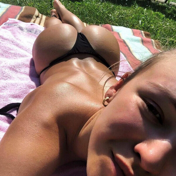 the butt over back is a stunning specimen photos 4 The Butt Over Back is a stunning specimen... (35 Photos)