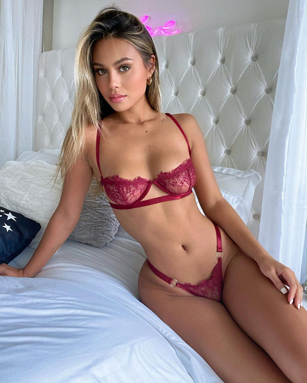 desireeschlotz 119241040 634424480549646 7395887602048221927 n Feeling blue today? Girls in lingerie will help with that (44 Photos)