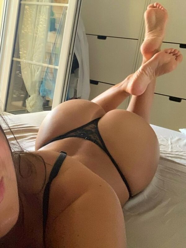 f782aa7ebeac8a3084a98062ec1c148a width 600 2 The Butt over Back says HEY YALL!!! (35 Photos)