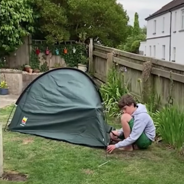 10 Year Old Sleeps In Tent For 200 Days To Fulfill Dying Friends Last Wish Humanity 20 A 10 y/o boy has slept 203 nights in a tent to honor his friends dying wish