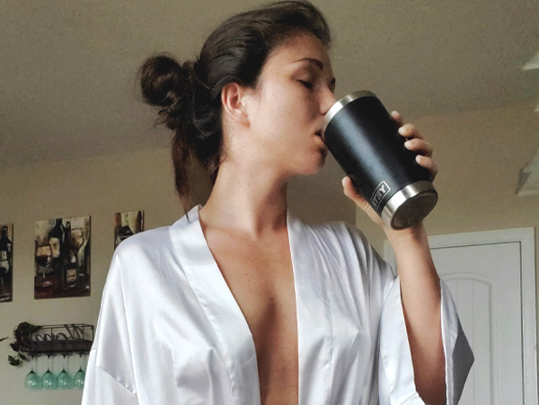 You need two things to start your day: A cup of joe…and Sexy Chivettes (100 Photos)