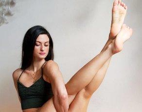 Yoga girls hot Hot or