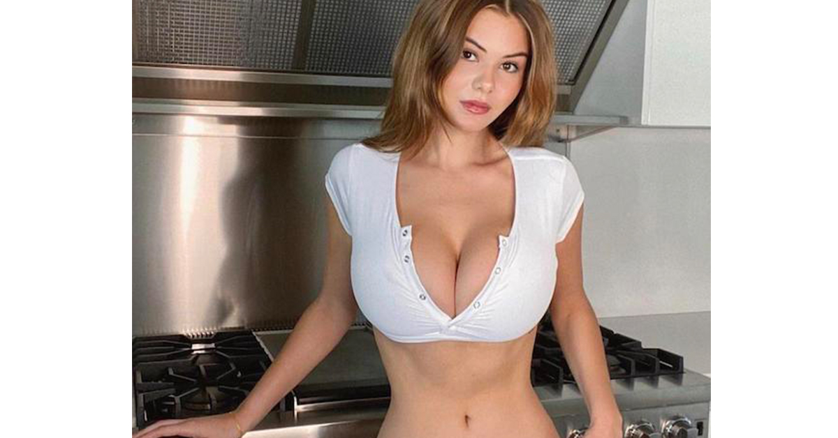 Super  Bursting Out of the top that binds (48 photos)