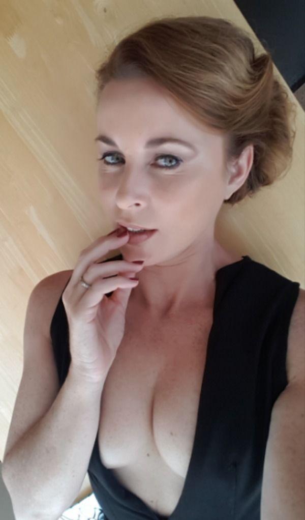 Onlyfans -Sexy Hot Mom MILF Photos Lingerie Long Legs/Mamma MILF rocks the sexy lingerie (48 Photos)