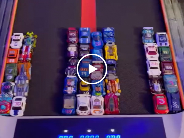 Hot Wheels Treadmill Championship Racing (VIDEO)