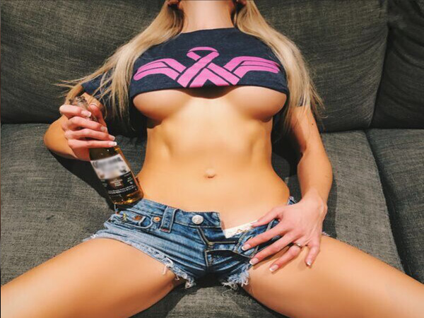 Sexy Hot Girl Photos Long Legs Best Out-Door Babe   @mountainMILF. Mammoth mounds that I wanna climb up (77 Photos)