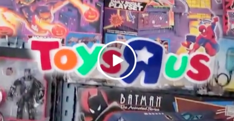 """This vintage toy room has us screaming """"I'm a Toys R Us Kid!"""" (Video)"""